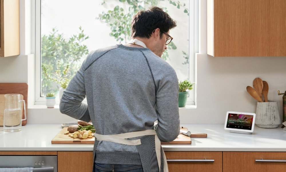 man-kitchen-google