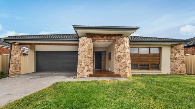 """<a href=""""https://www.realestate.com.au/property-house-vic-cairnlea-131167482"""" title=""""www.realestate.com.au"""">54 Dunbarrim Ave, Cairnlea</a> is for sale at an affordable $650,000-$700,000. The western suburb also ended last year ahead of the market correction."""