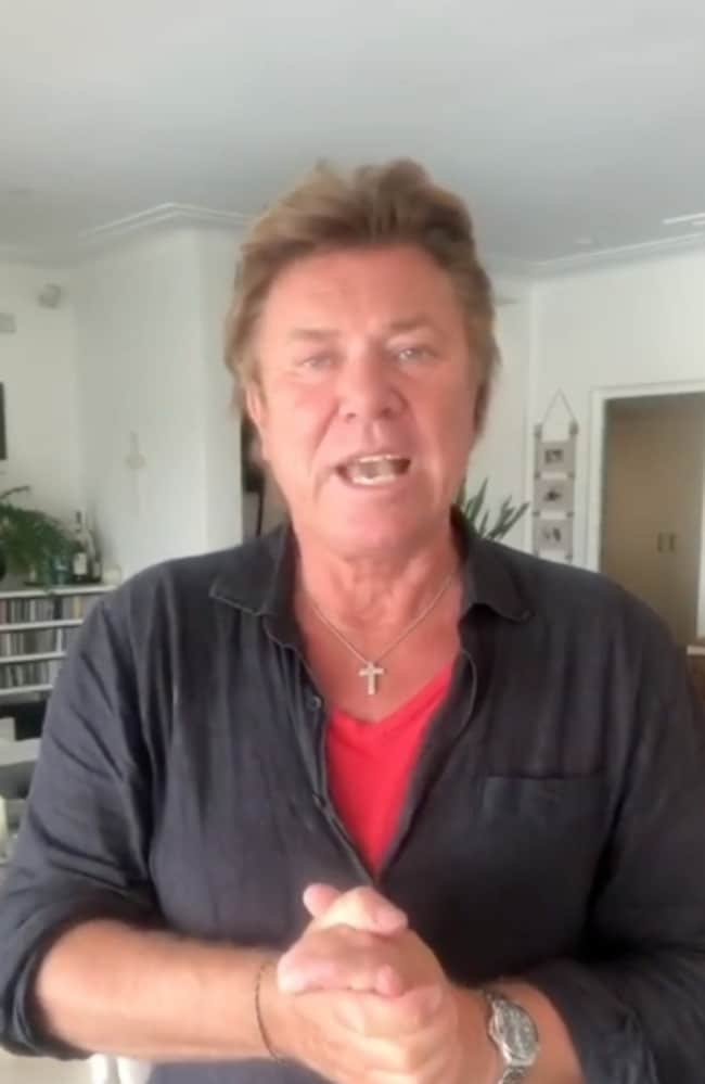 Nine entertainment reporter Richard Wilkins gives update from self isolation after being infected by Tom Hanks' wife Rita Wilson.