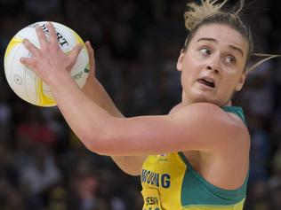 Elizabeth Watson of the Diamonds in action during the netball Constellation Cup between the New Zealand Silver Ferns and Australian Diamonds, at Qudos Bank Arena, in Sydney, Saturday, October 14, 2017. (AAP Image/Craig Golding) NO ARCHIVING, EDITORIAL USE ONLY