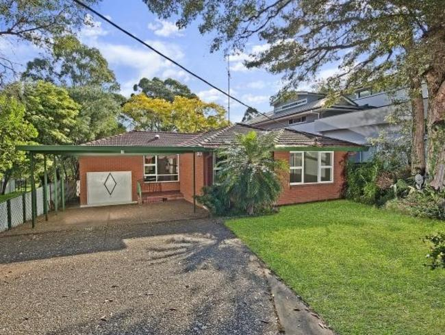 "This three-bedroom house at  <a href=""https://www.realestate.com.au/sold/property-house-nsw-dundas-123460778"" target=""_blank"">34 Baronbali St, Dundas</a>, sold for $1.4 million."