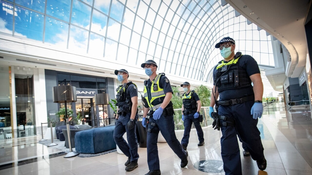 Victoria Police deny COVID-19 fines will be rescinded