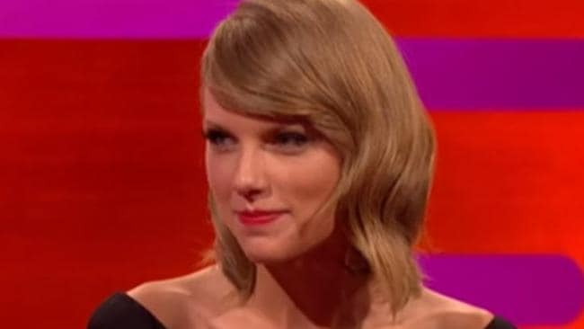Taylor Swift S Beloved Cat Olivia Benson Insulted By John Cleese
