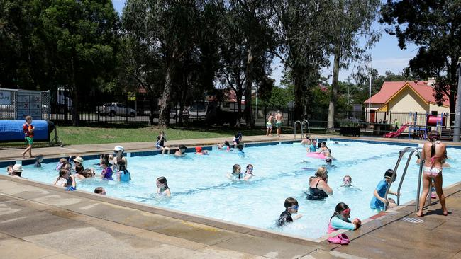 Why it s important to keep safe on hot days news local for Stanhope swimming pool opening hours