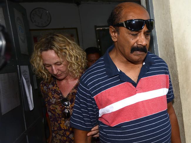 Not close ... Myuran Sukumaran's father visits his son in Kerobokan Jail. Picture: NASHYO HANSEL