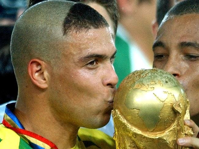 Ronaldo with the World Cup in 2002.