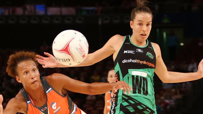 Shannon England contests possession during the round two Super Netball 2017. Pic: Getty Images