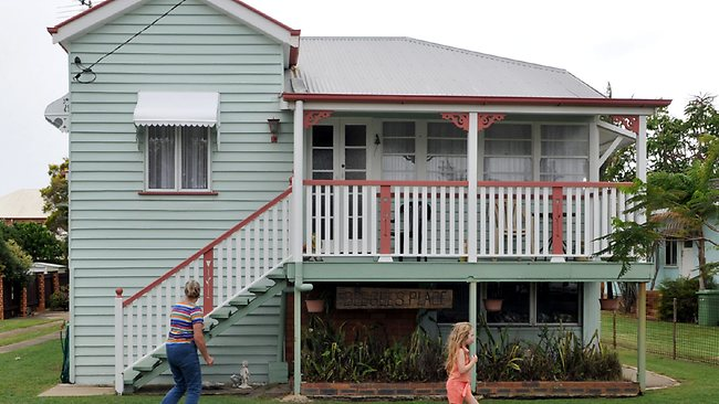 Barry Gibb S Sister Makes Surprise Visit To Scarborough Drops In On Old Bee Gees Family Home The Courier Mail