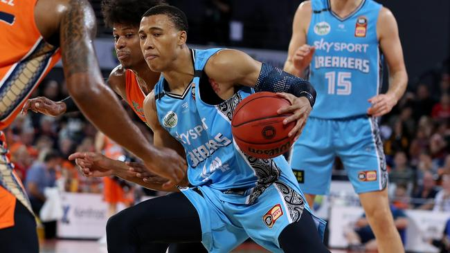 RJ Hampton only played 15 minutes against the Taipans. Picture: AAP