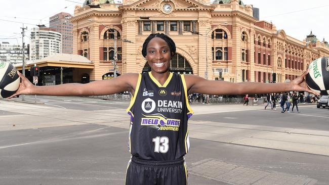 Basketball rising star Ezi Magbegor has signed a three-year deal with the Melbourne Boomers.