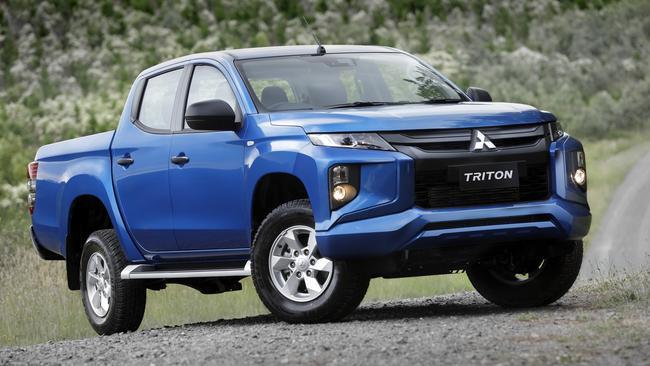 Mitsubishi Triton, Nissan Navara will get hybrid power