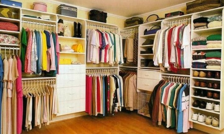 People are losing their minds over this family's wardrobe hack