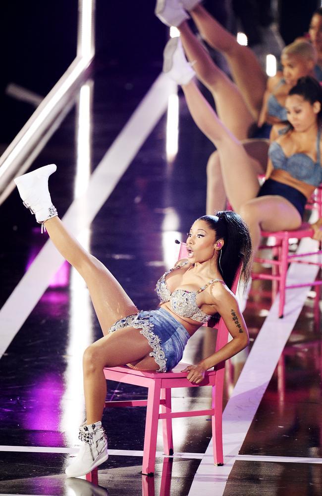 Is Nicki Minaj S Butt Fake New Photo May Answer This