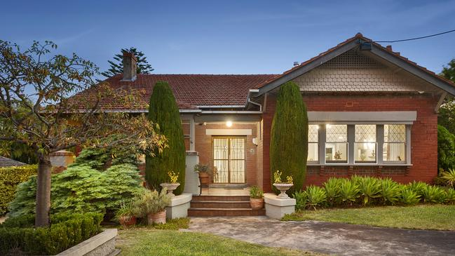 16 Bastings St is in premier Northcote pocket Ruckers Hill.
