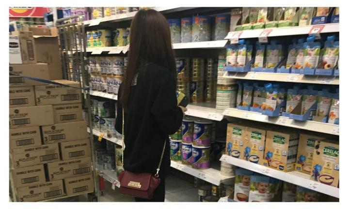 Mum astonished to witness 'organised ring' stocking up on baby formula
