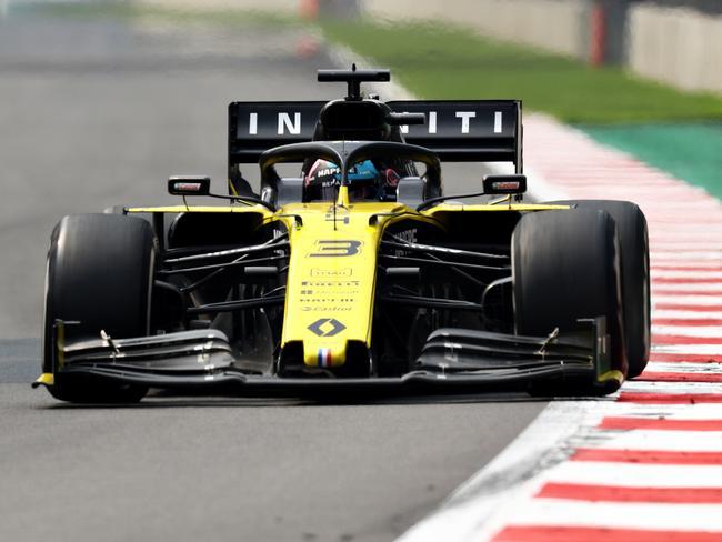 Daniel Ricciardo put Max Verstappen in his place.