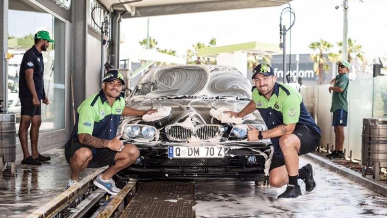 Titans players were given four days work in the community. Photo: Gold Coast Titans