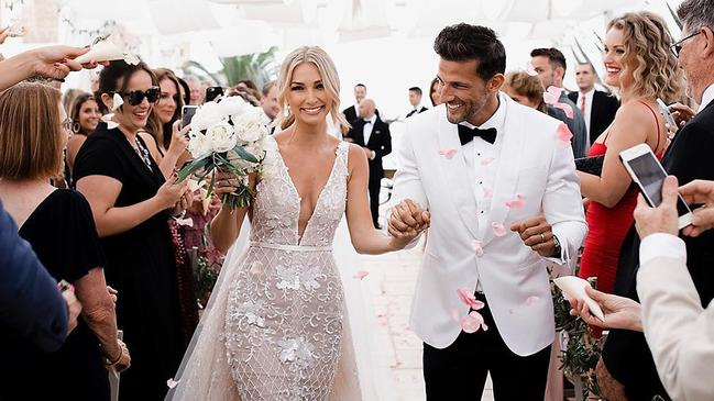 Anna Heinrich and Tim Robards got married in Italy.
