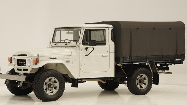1982 Toyota Land-Cruiser HJ47 Long Wheelbase 4X4 Cab Chassis Utility