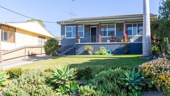 This property at 8 Michele Crescent, Glendale is for sale via First National Altitude Warners Bay and has a price guide of $450,000-$495,000.