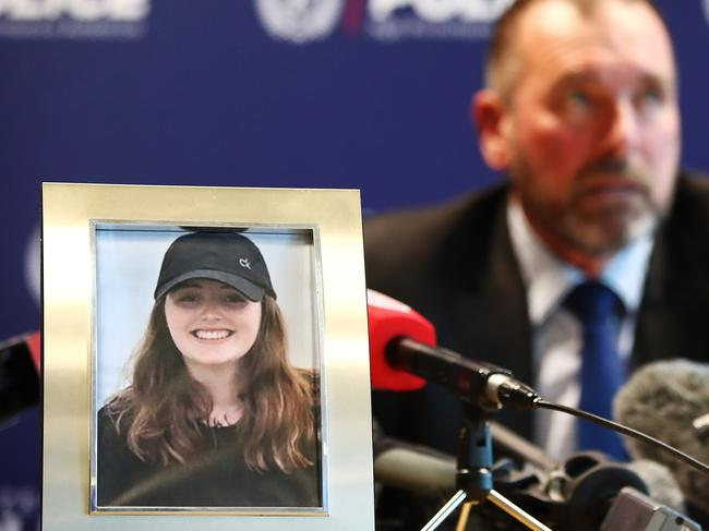 Detective Inspector Scott Beard speaks to the media as a photo of missing British woman Grace Millane displays. Picture: Getty