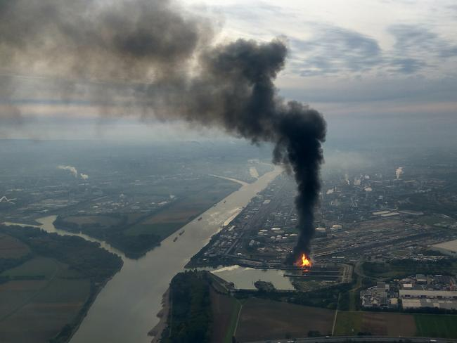 A huge cloud of dark smoke seen at the BASF chemical plant site in Ludwigshafen. Picture: AP