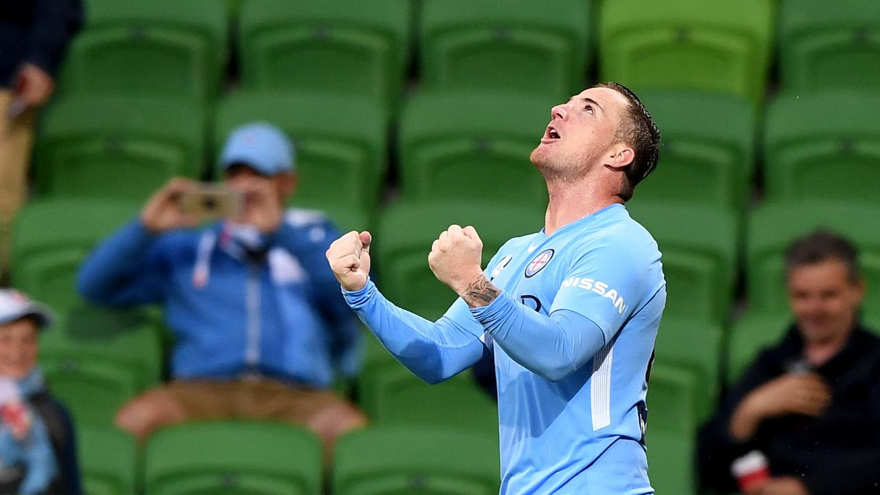 The Central Coast Mariners are in talks to bring Ross McCormack back to the A-League.