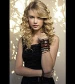 <p>Grammy-nominated country music artist Taylor Swift poses for a photo at a hotel in Los Angeles on Wednesday, Nov. 5, 2008.</p>