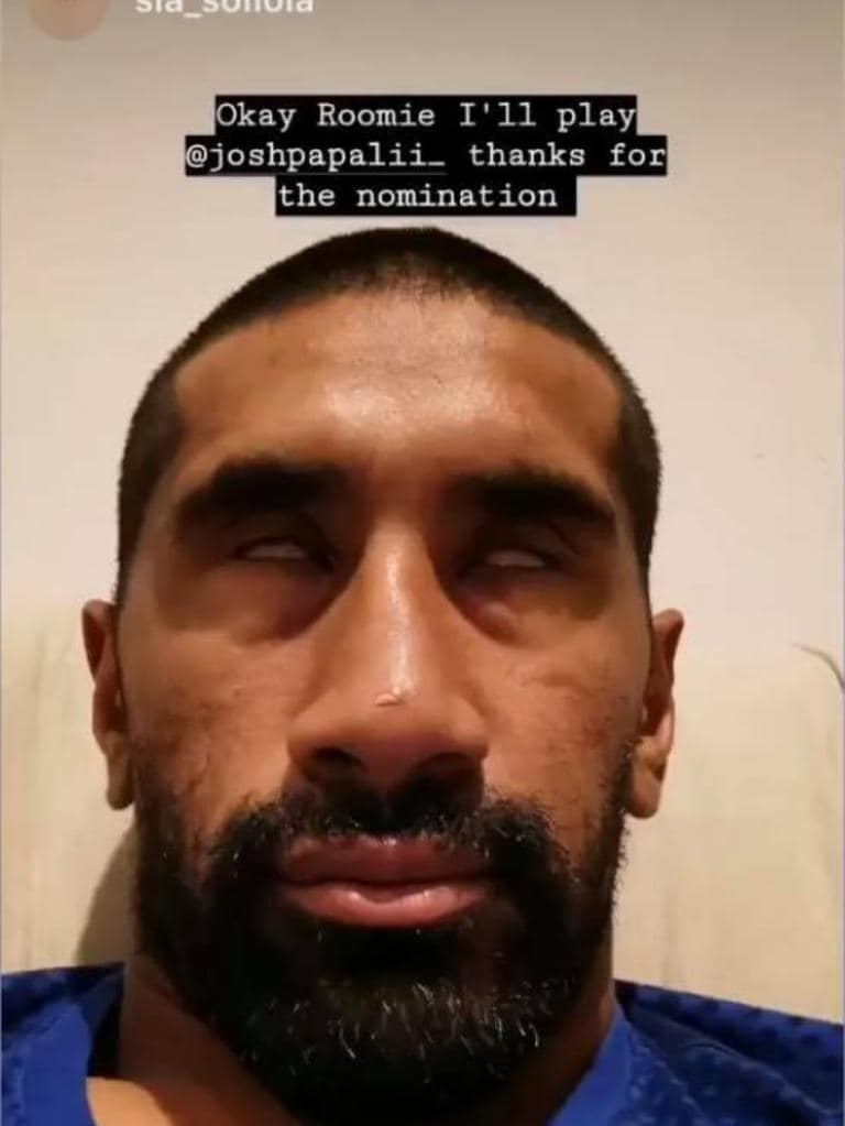 Sia Soliola joined in on the challenge.