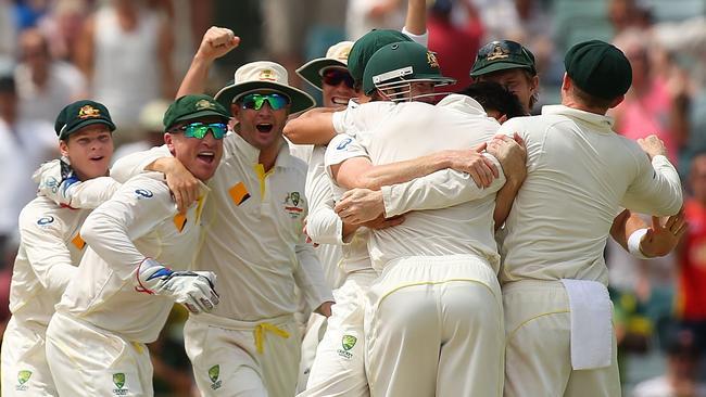 Australia celebrates winning the 2013-14 Ashes.
