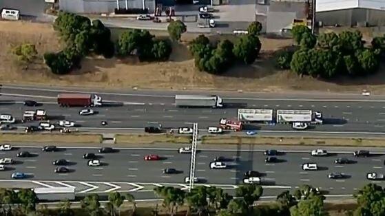 Melbourne traffic: Monash Freeway crash at Blackburn Road