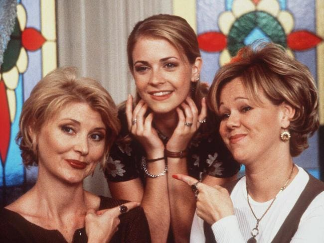 Beth Broderick and Caroline Rhea weren't the first choices to play Sabrina's aunts Hilda and Zelda.