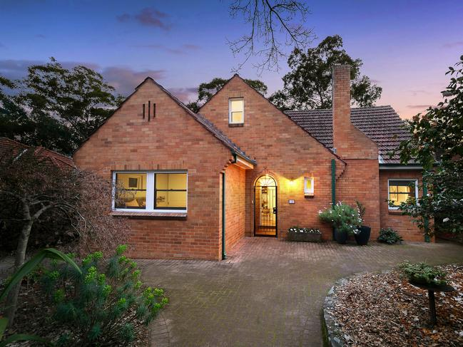 No. 125 Lucinda Ave, Wahroonga.