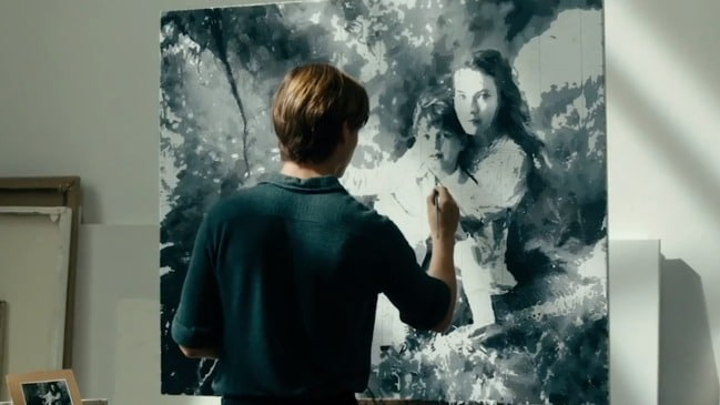 Trailer: Never Look Away