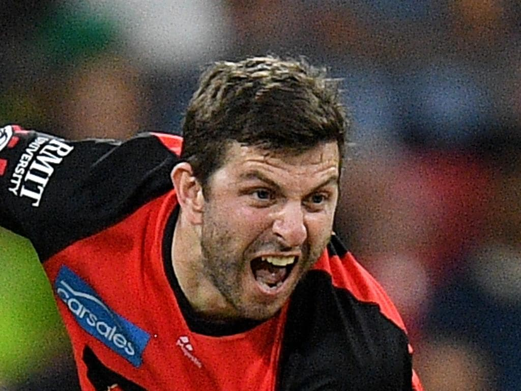 Harry Gurney of the Renegades bowls during the Big Bash League (BBL) match between the Sydney Thunder and the Melbourne Renegades at Spotless Stadium in Sydney, Tuesday, January 22, 2019. (AAP Image/Dan Himbrechts) NO ARCHIVING, EDITORIAL USE ONLY, IMAGES TO BE USED FOR NEWS REPORTING PURPOSES ONLY, NO COMMERCIAL USE WHATSOEVER, NO USE IN BOOKS WITHOUT PRIOR WRITTEN CONSENT FROM AAP