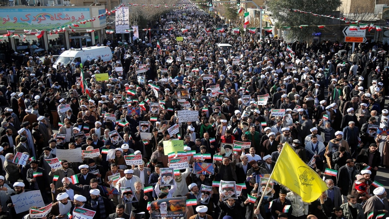 Thousands rally in Iran
