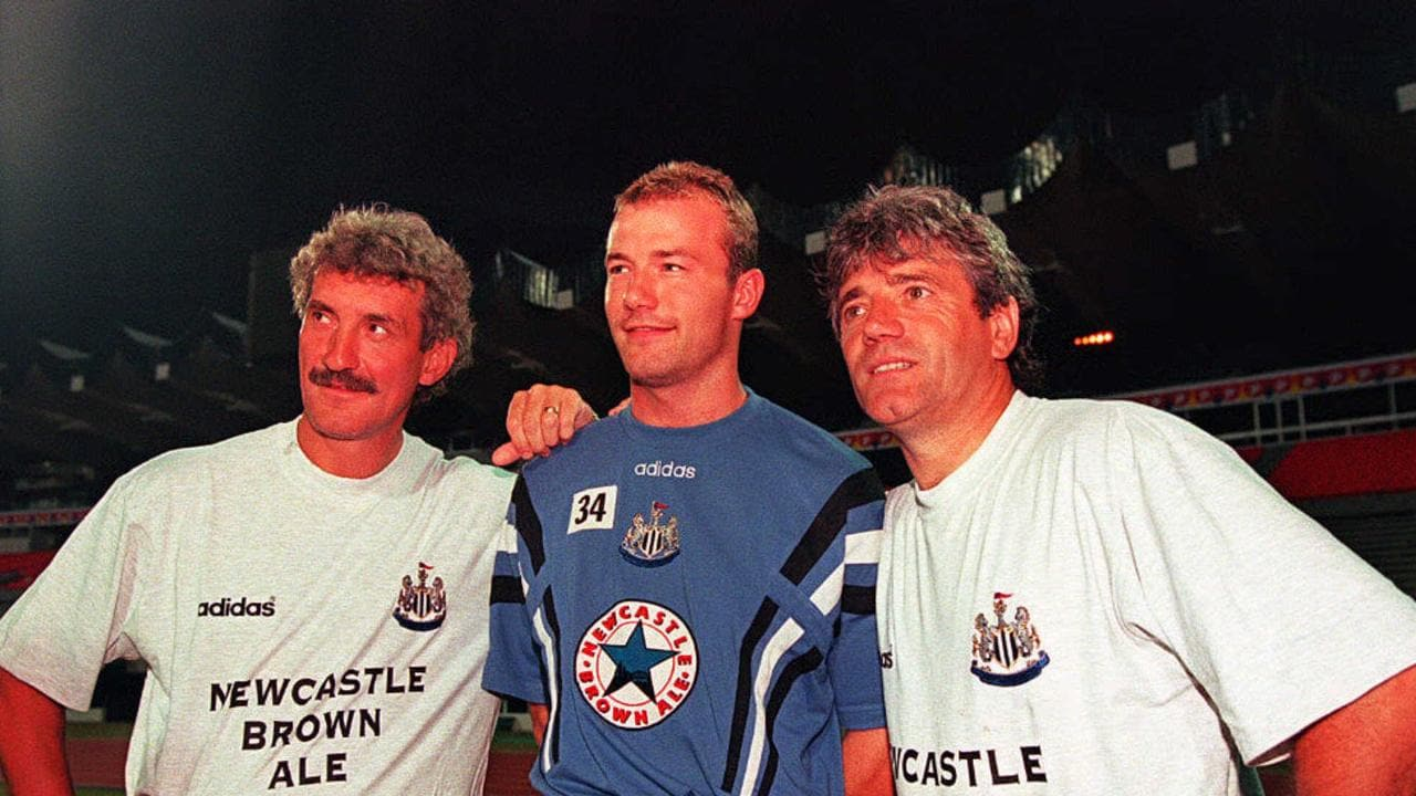07a06efb7ae Kevin Keegan (R) poses with Alan Shearer (C) and Terry McDermott.