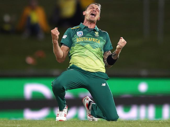 Dale Steyn is bringing his talents to Melbourne.