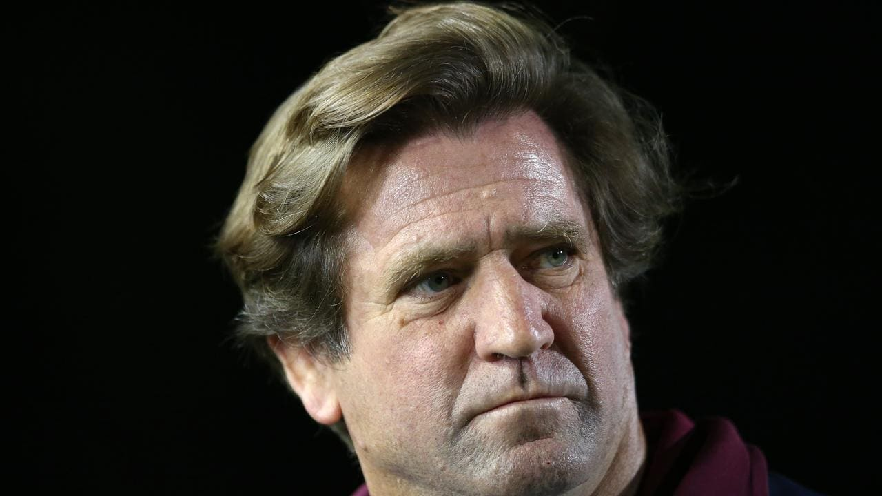 Manly head coach Des Hasler looks on