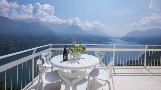 The spectacular view from Villa Ponti.