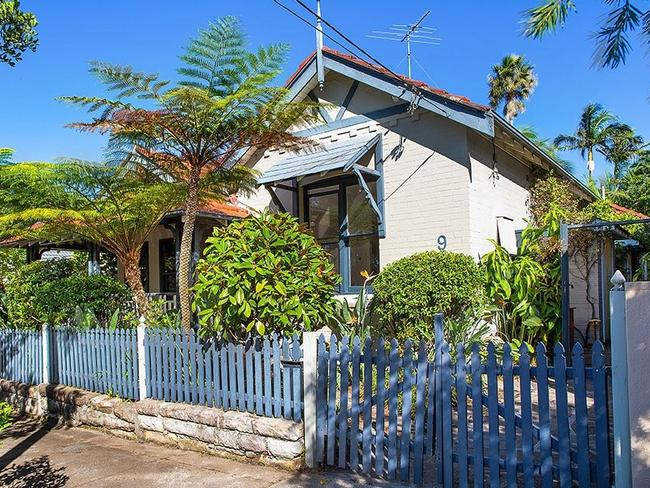 Andrew Valder has sold his Waverley home prior to auction.
