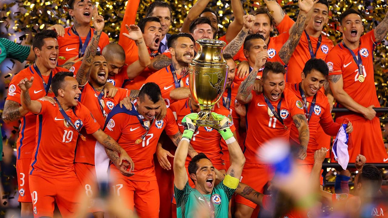 Chile celebrate winning the 2016 Copa America