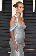 Rosie Huntington-Whiteley attends the 2017 Vanity Fair Oscar Party on February 26, 2017 in Beverly Hills, California. Picture: Getty