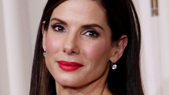 Chilling 911 call played during Sandra Bullock stalker hearing