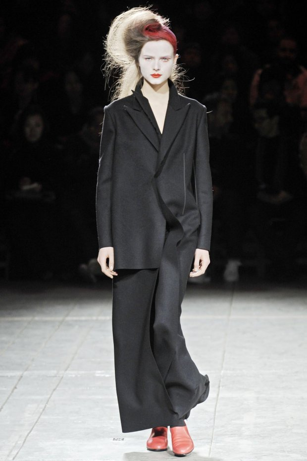 Yohji Yamamoto Ready-to-Wear Autumn/Winter 2009/10