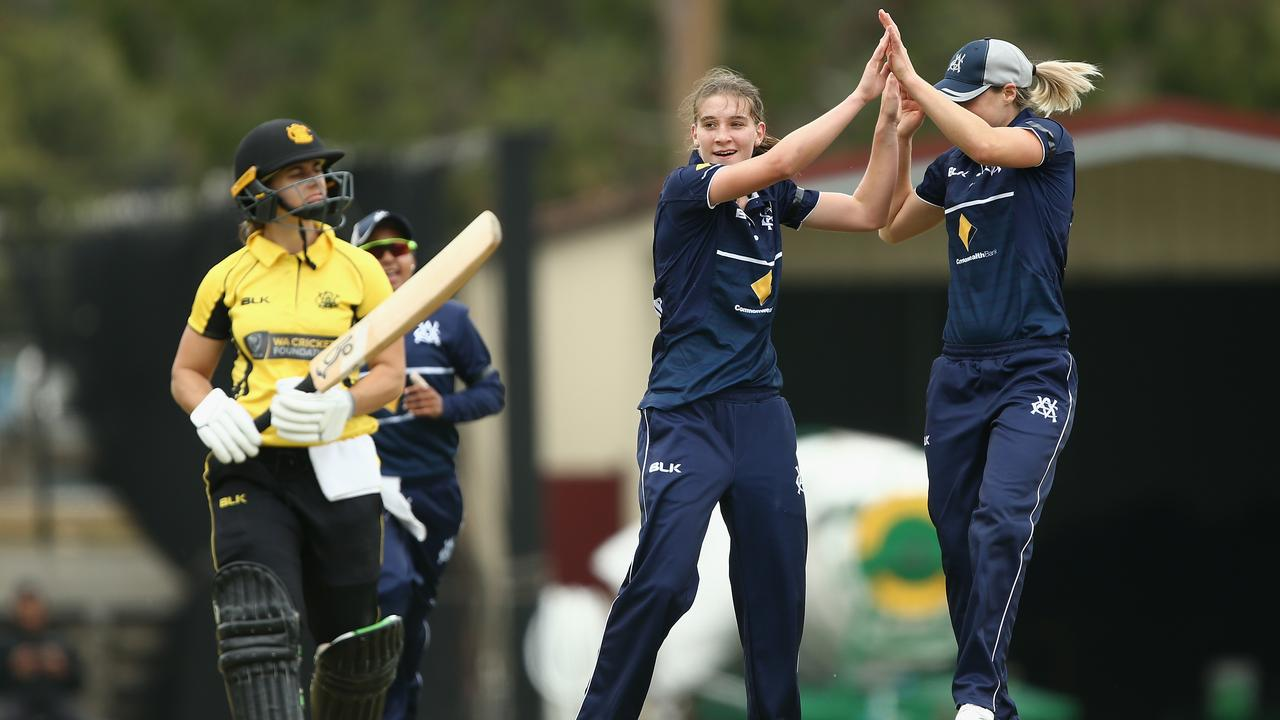 Annabel Sutherland and Sophie Molineux celebrate a wicket.