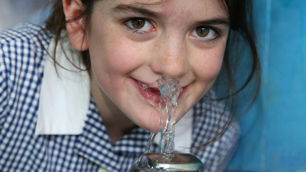 Oberon Primary School's sugary drink ban, water-only plan ...