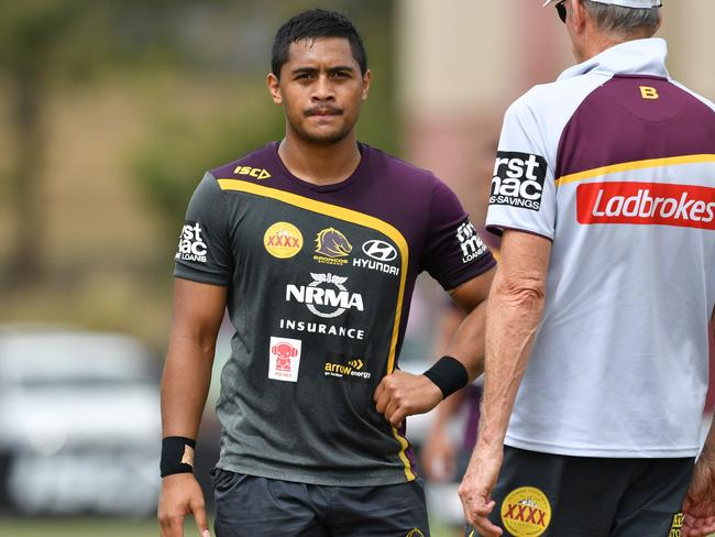 Anthony Milford (left) talks to Broncos coach Wayne Bennett.