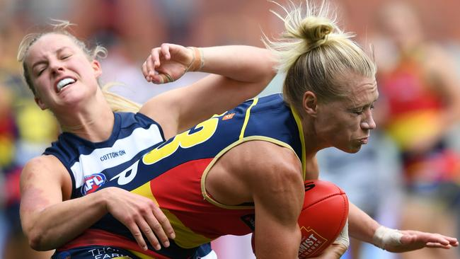 Erin Phillips of the Adelaide Crows marks in front of Jordan Ivey of the Cats. Picture: Mark Brake/Getty Images