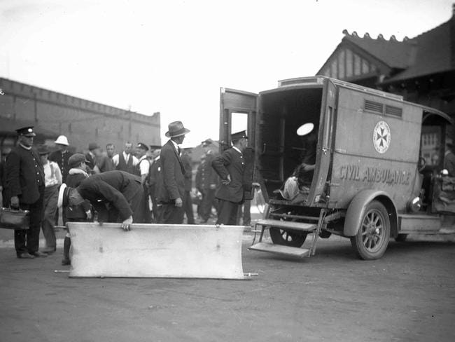 31b88bb0bc Ambulances at Fort Macquarie to collect dead and injured after the  Greycliffe sinking. Picture  Australian National Maritime Museum